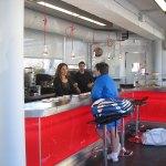 La cafetería del Polideportivo ya está funcionando con sus nuevos dueños