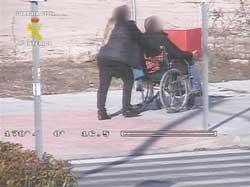 Uno de los ladrones simulaba ser paralítico