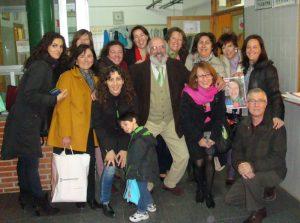 Mª Carmen, con Agustín Martínez Tejeda (director) y el resto de profesores del Colegio Lourdes