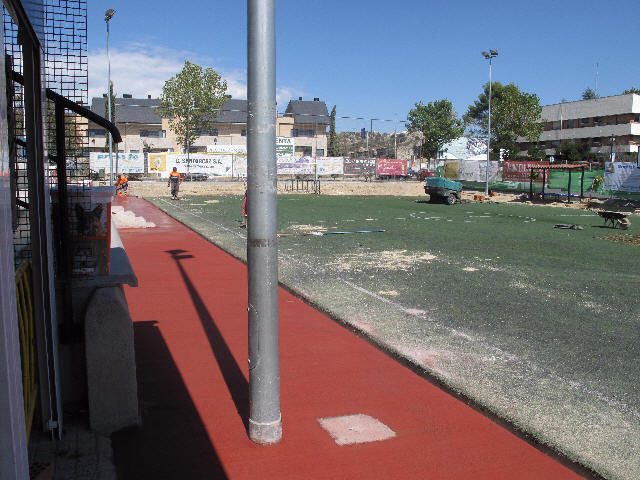 Sustitución del césped artificial en el Minifútbol de Torrelodones