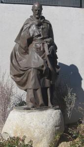 Escultura de San Ignacio de Loyola donada por el maestro Carlos Terres al Colegio San Ignacio de Torrelodones