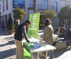 acTÚa continuó recogiendo firmas el fin de semana en Torrelodones