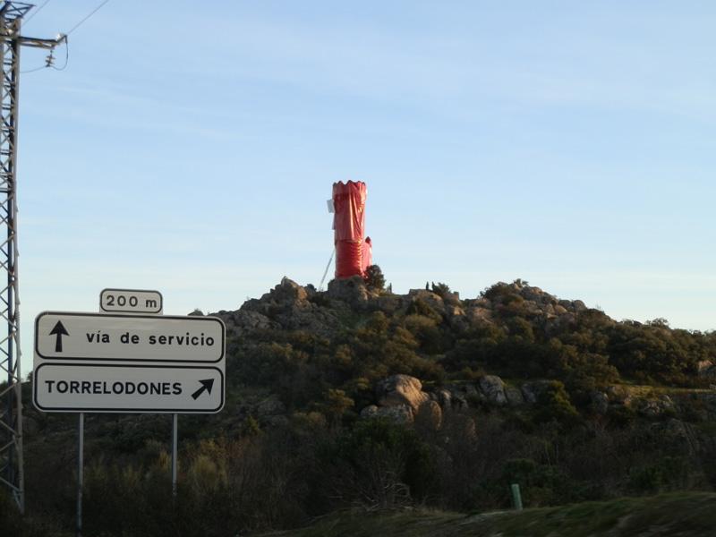 La Torre de los Lodones envuelta