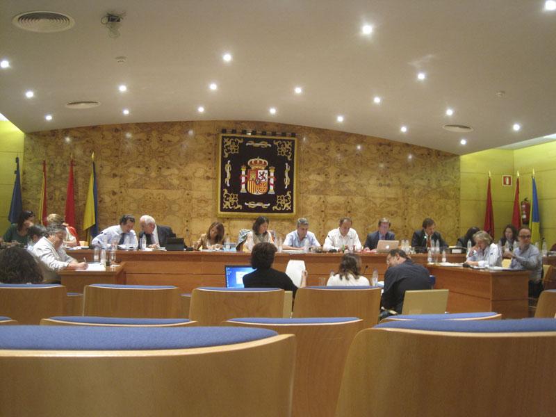 El Equipo de Gobierno se agrupa para deliberar sobre la postura a tomar