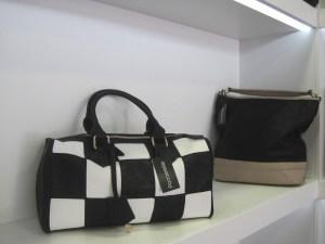 Gran variedad de bolsos en Passarelle Torrelodones