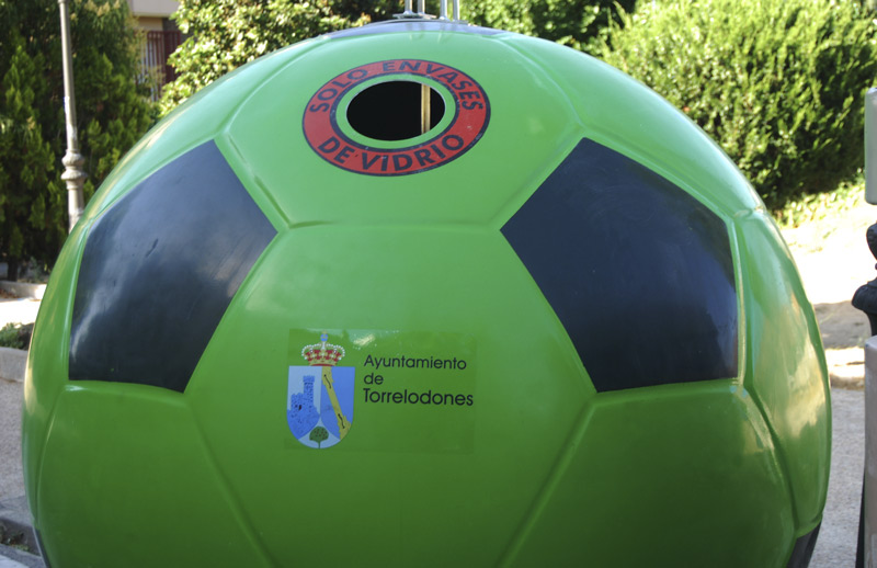 Contenedor balón para vidrio en Torrelodones