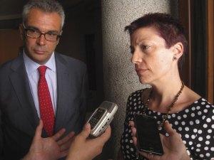 Carlos Izquierdo y la directora de la Residencia Infantil Ntra. Sra. de Lourdes, Torrelodones (Madrid)