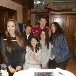 Iker Casillas, con un grupo de torresanas