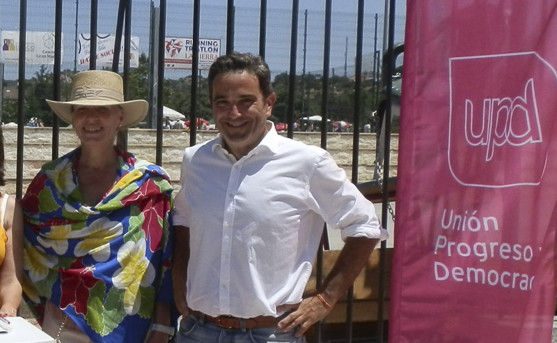 Teresa Díez Garrido y Antonio Checa, de UPyD Torrelodones