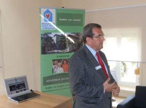 Juan Dusmet, presentando el nuevo sitio web de la residencia