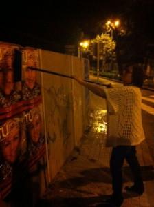 Pegada de carteles para las europeas 2014 del PSOE Torrelodones