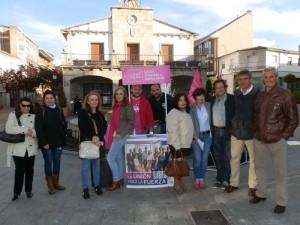Yolanda Sánchez Moya con compañeros de UPyD