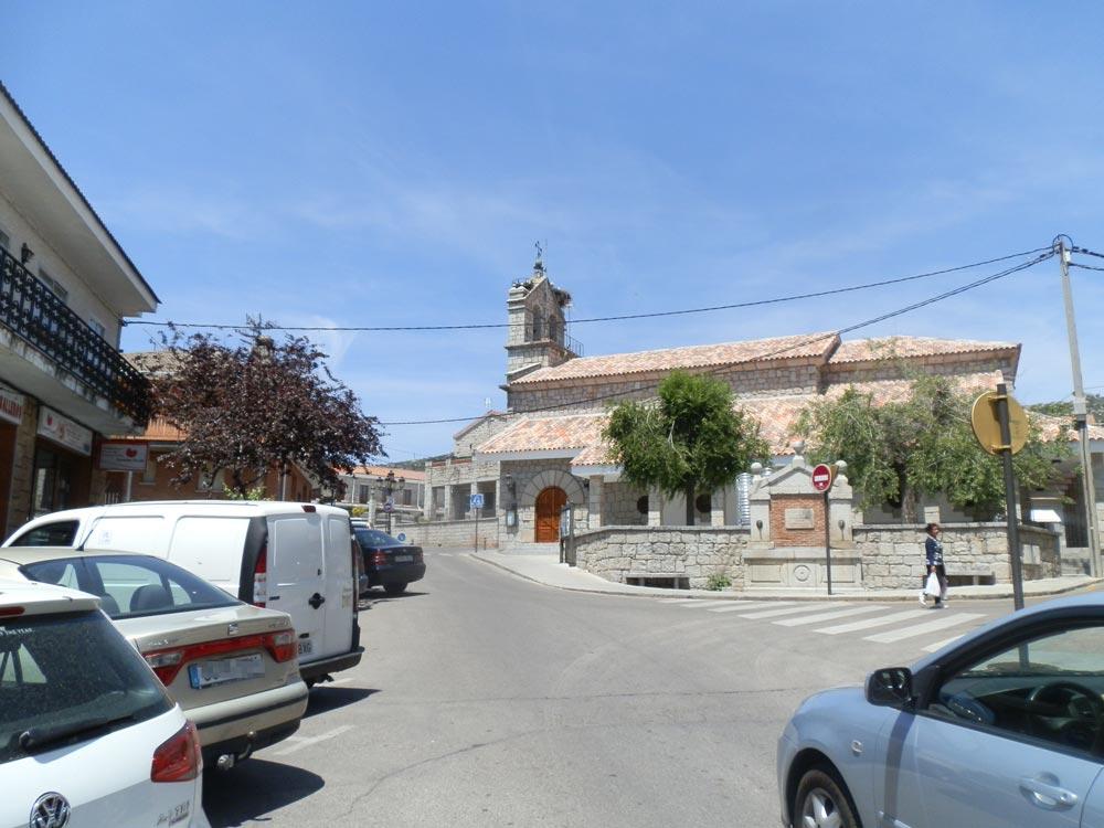 Plaza de la Iglesia - Hoyo de Manzanares