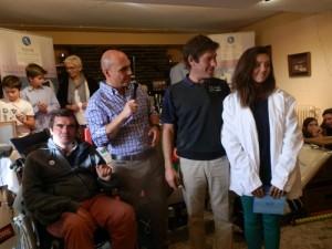 Gonzalo Chinchilla, Carlos Conde, y los ganadores de la I y II edición del Torneo Anda Ya