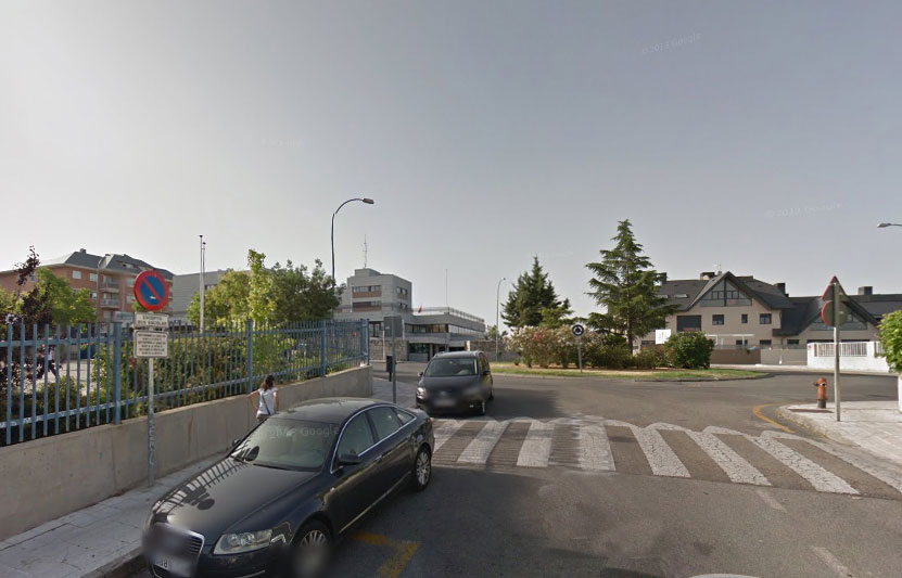 Calle Ribadesella, junto al colegio El Encinar