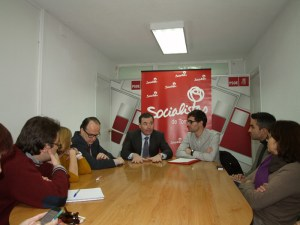 Tomás Gómez se reunió con el candidato en Torrelodones, Guillermo Martín, y miembros de la ejecutiva del PSOE local