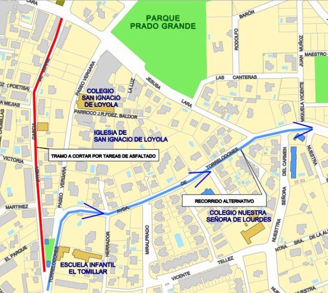 Corte calle Javier García de Leániz (trazo rojo) y recorrido alternativo (trazo azul). (Imagen: Ayto. Torrelodones)