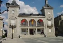 Ayuntamiento de Alpedrete. Fuente: https://commons.wikimedia.org/wiki/File:Ayuntamiento_de_Alpedrete.jpg