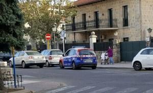 coche-concejal-mal-aparcado-3