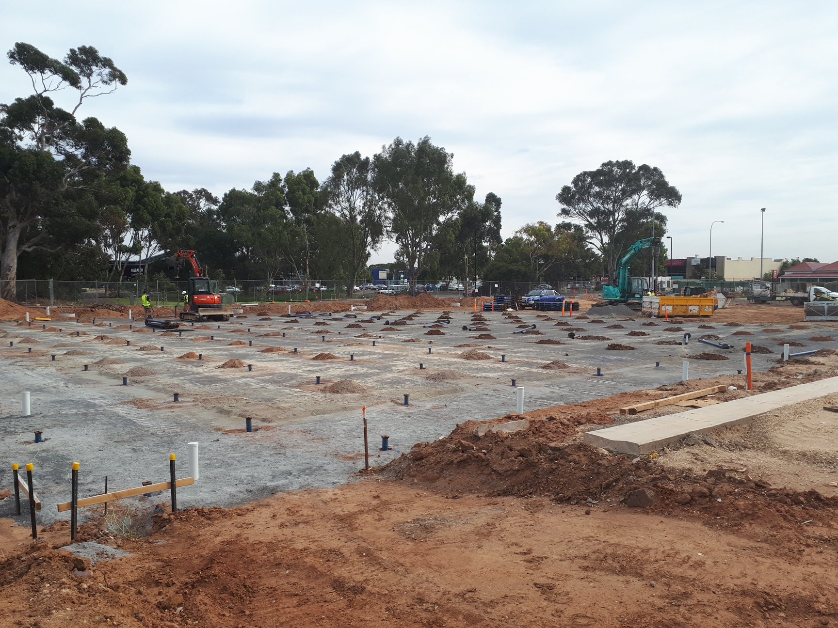 181207 Screw piling for suspended bowling green slab