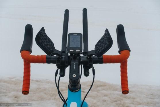 Profile Design V2+ Aerobars. Spring-loaded Pad arms above handlebar, extensions mounted below handlebar.
