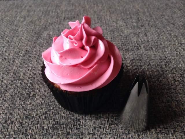 wilton_1m_dekorcso_cupcake_dekoraciok_tortaiskola-1 (6)