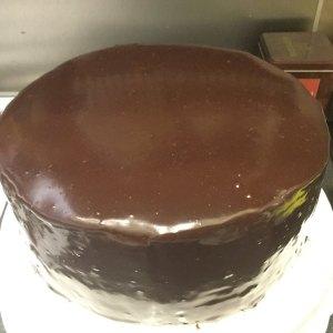csokolade_glazur_keszitese_tortaiksola-1 (4)