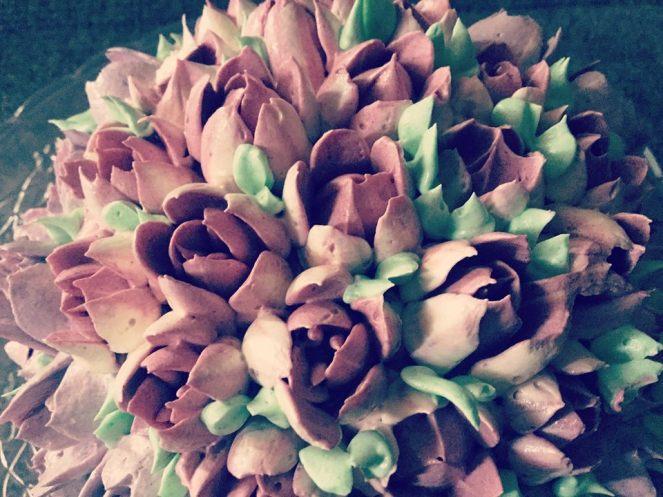 magnolia-dekorcsovel-diszitve-olasz-vajkrem-tortaiskola-1 (2)