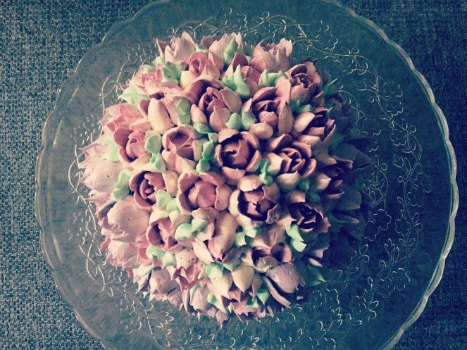 magnolia-dekorcsovel-diszitve-olasz-vajkrem-tortaiskola-1 (3)