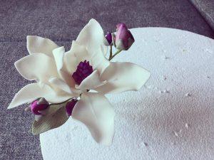 cukor-magnolia-keszitese-csokorba-kotve-tortaiskola-glazurshop-1 (17)