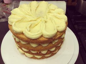 pucer-torta-diszitese-tortaiskola-1 (1)
