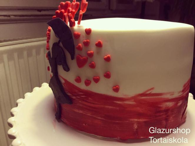 stenciles-festett-valentin-torta-tortaiksola-1-3