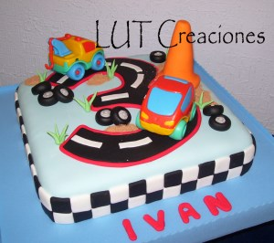 10 Tortas decoradas con autos (9)