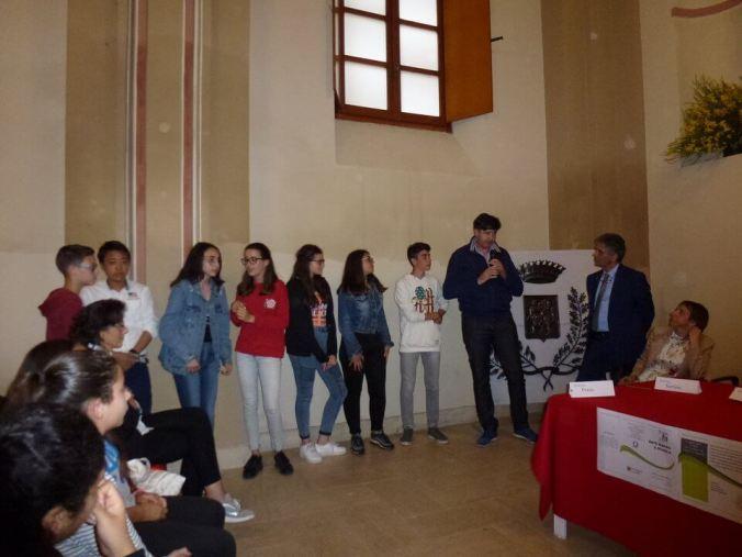 Il sindaco Fabio Semino risponde ai ragazzi di Ic_Viguzzolo