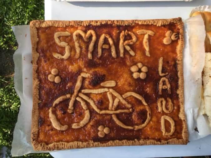 La torta realizzata da elena valvecchia per il comitato smart land