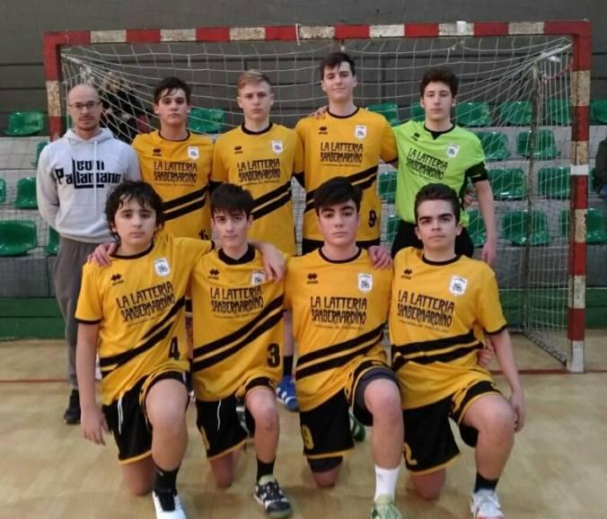 La prima formazione Under 15 dei Leoni Pallamano Tortona