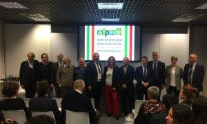 Firmato a Vinitaly l'atto costitutivo della Federazione Nazionale delle Strade del Vino, dell'Olio e dei Sapori