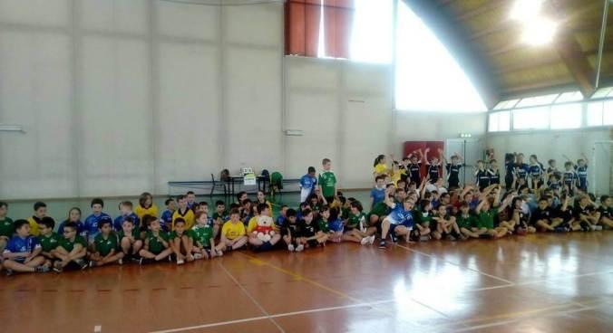 Leoni pallamano Tortona, foto di gruppo a Palazzolo