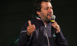 Tortona – Quasi in 2000 per Salvini in piazza e tutti vogliono il selfie