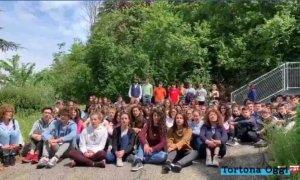 """Un flash mob per ricordare """"L'infinito"""" di Giacomo Leopardi"""