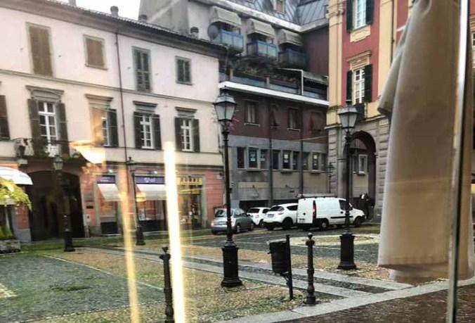 Auto parcheggiate in divieto nella ZTL di Tortona