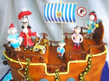 tort piratii din tara de nicaieri si ariel 4