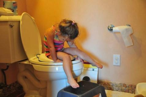 Tegan potty trains herself   Tory and Tegan