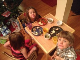 Kiddos at Christmas dinner with the Larson/Lund's