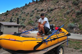 Bryan gets the boat rigged. Nice decks!