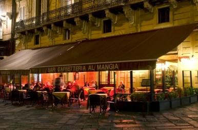 Al Mangia Bar in autumn