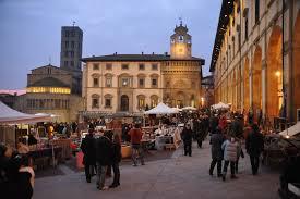La vita è bella in Arezzo, antiekmarkt