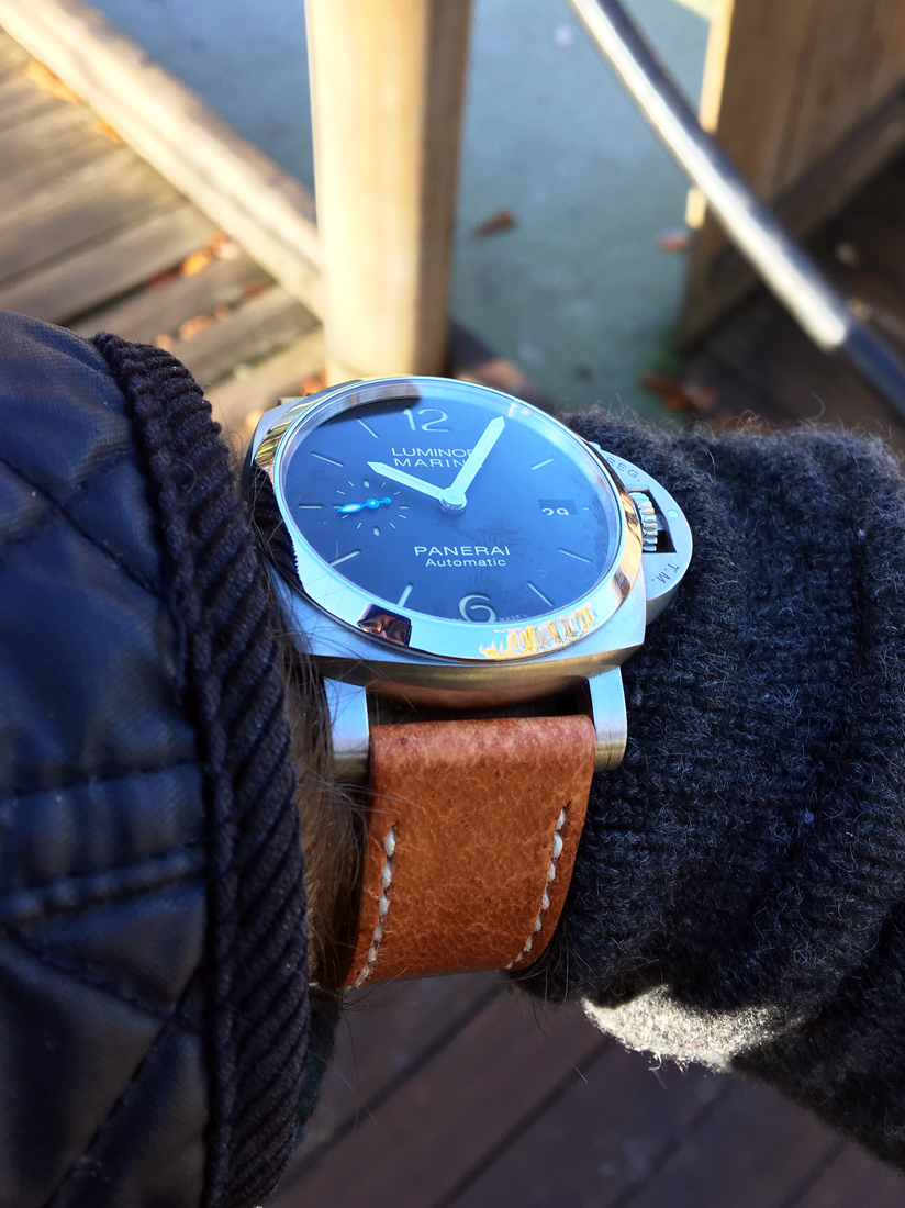 Panerai 1392 on Vintage Stag leather with natural stitching. © Simon Kendrew
