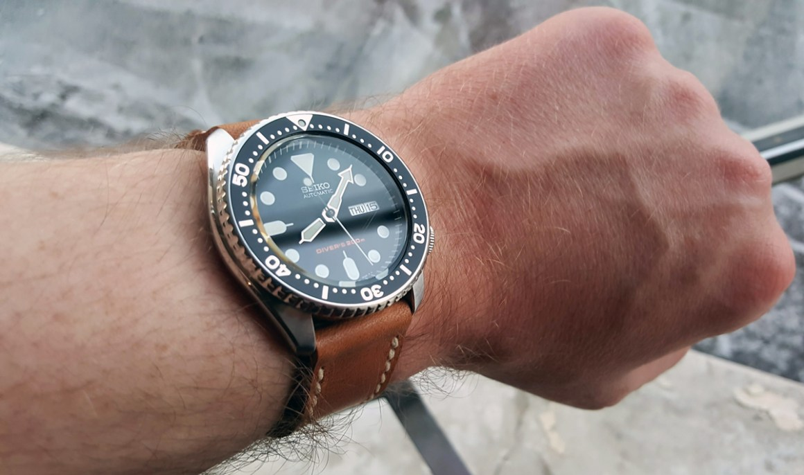 Seiko SKX009 on Horween Derby leather with natural stitching. © Vedran Hasanagić