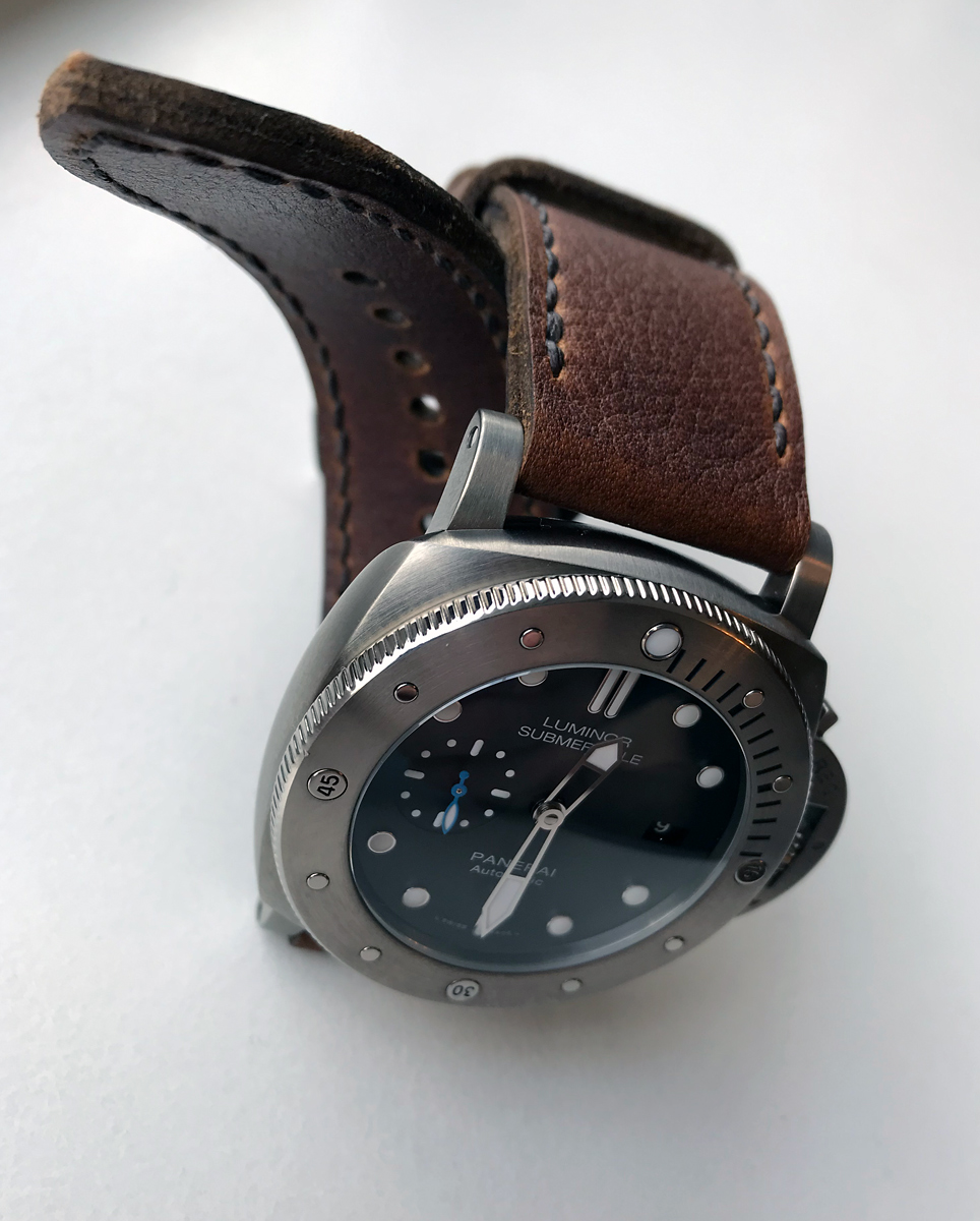 Panerai 1305 on Shooting Brake leather with dark brown stitching. © Terry Wright